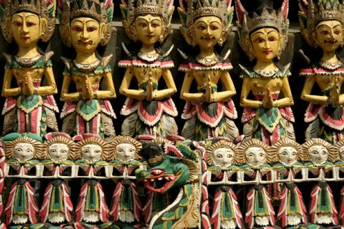 blog-my-trip-to-Bali-Nishma-carvings