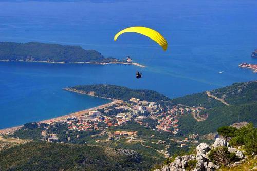 Montenegro-paragliding