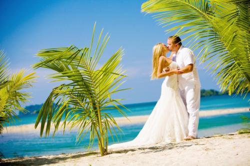 World   Thailand Beautiful couple on the beach in Phuket  Thailand 061689