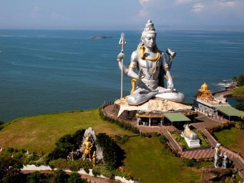 1467123035 a giant shiva statue murudeshwara hindu temple mangalore arabian seacoast india