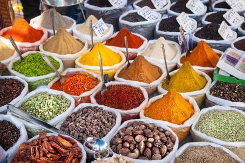 indian-colorful-spices-tea-anjuna-flea-market-goa-india-35000980