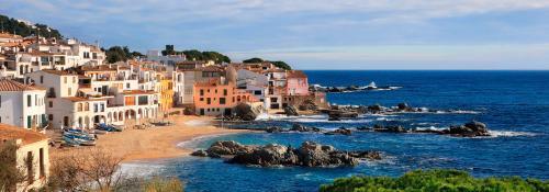 Costa-Brava-villas-for-rent-e1440055036804