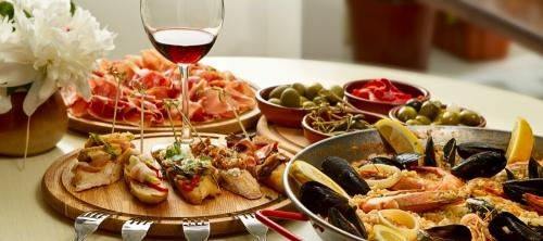Italian-Food-And-Wine