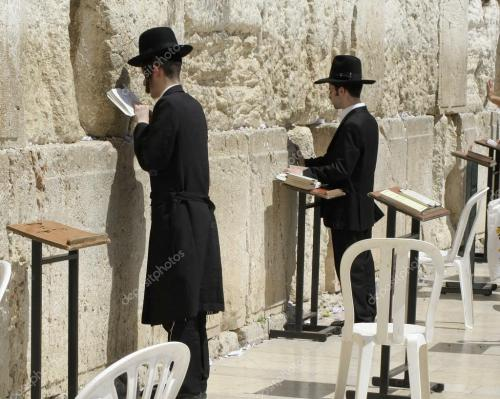 depositphotos 8046974-stock-photo-jewish-men-praying-at-the