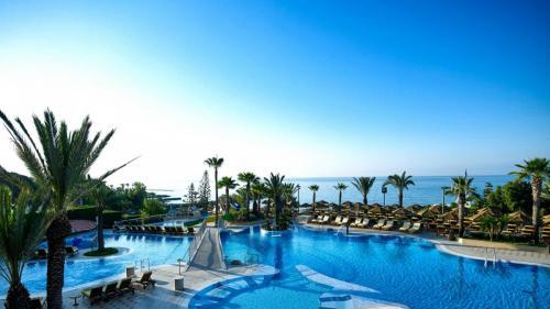 four-seasons-hotel-beach-resort-39947181-1505814903-ImageGalleryLightboxLarge