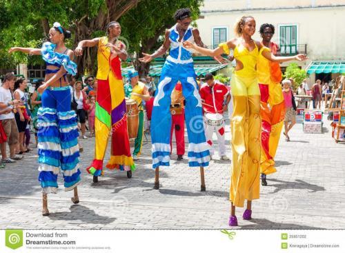 dancers-carnival-old-havana-25951202
