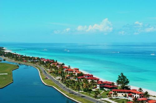 varadero-beach-panaromic-photo-wide-screen-cuba