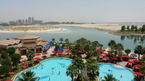 beach vacation-uae