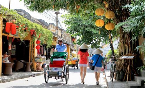 top10-vietnam-attractions