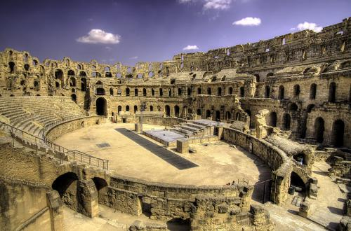 800px-El Djem Amphitheater
